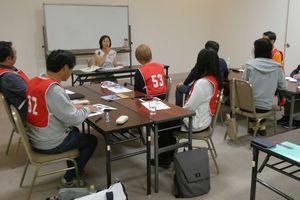 熊本で開催したペット災害危機管理士(R)1級で復旧復興に携わる県会議員の講話を聴講する受講生たち