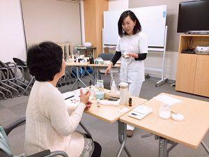 アニマルアロマアドバイザー通学講座のクラフト実習
